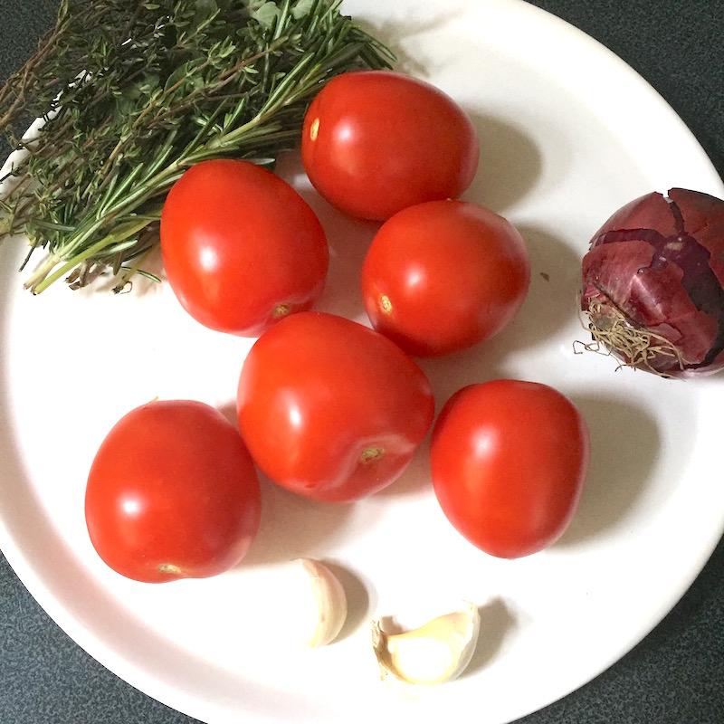 Eigen tomatensaus maken