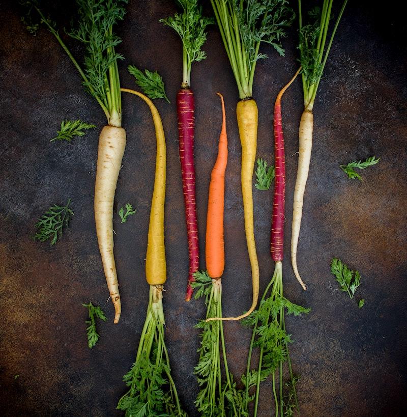 Regenboogwortels zijn ideaal voor in recepten met groenten op de BBQ