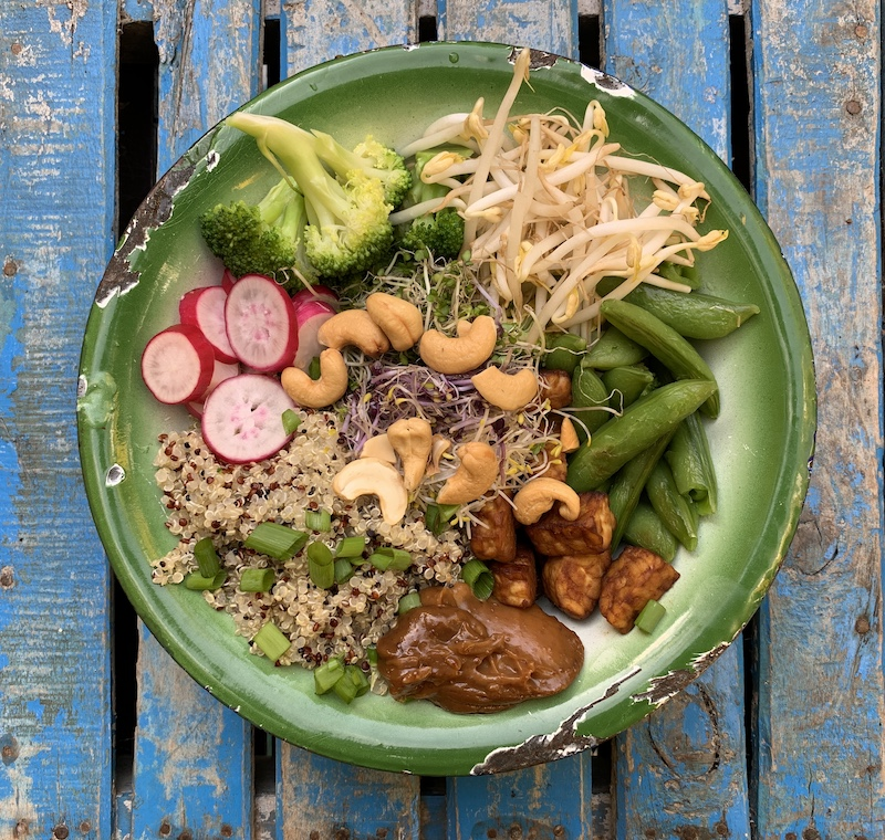 vegan poke bowl tempeh